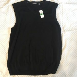Black Van Heusen Sweater Vest, size large